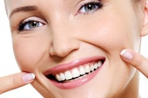 Denplan dentist Westcliff-on Sea, Essex offers dental treatments for general,   preventive, dental implants, restorative and cosmetic dentistry.  (Private,   competitive prices): Intensive scale and polishes, oral hygiene instruction, dietary   advice,